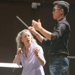 Gillian MacKay coaching a Conducting participent